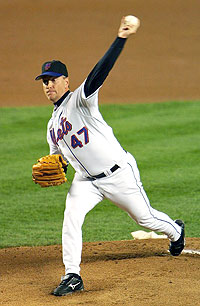 Tom Glavine pitching for the Mets