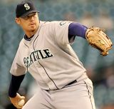 Several teams are interested in Ms reliever JJ Putz